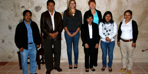 (Left to right) Aurelio Hernandez (GV Staff), Mario Perez (Mayor), Jozlyn Pelk, Translator  (Front left to right) Patricia (Youth 2013), Claudia (GV staff), Sandra (GV staff)